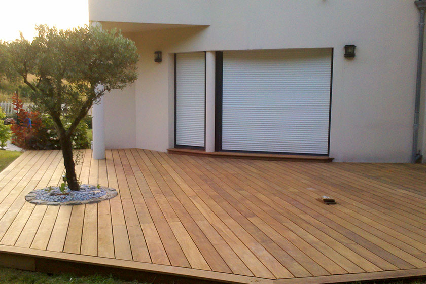 comment nettoyer une terrasse en ipe 15 plancher bois exotique en ipe avec un olivier. Black Bedroom Furniture Sets. Home Design Ideas