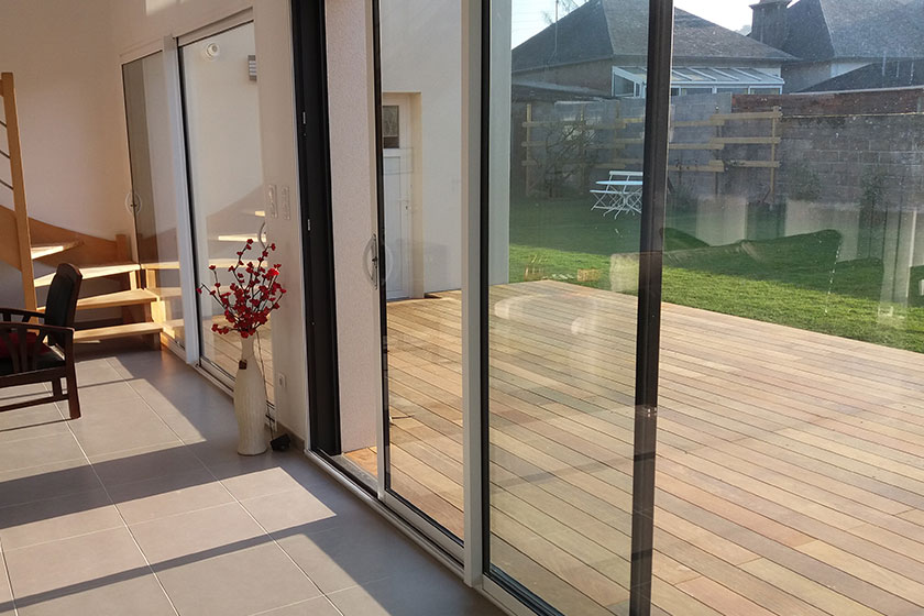 Terrasse en bois exotique ipe nature bois concept - Traitement bois terrasse exterieur ...