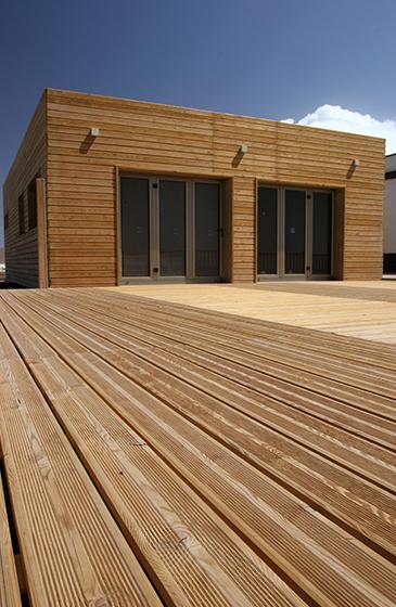 Terrasse en bois de m l ze de sib rie nature bois - Nature bois concept rochefort ...