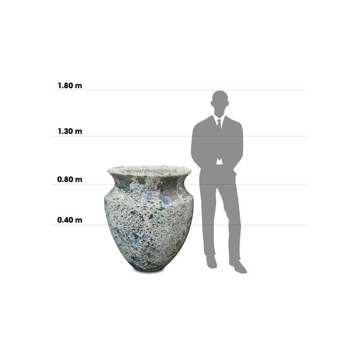 Taille d'une poterie Skorpio comparée à la taille d'un homme