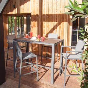 Ensemble mange-debout Stoneo - 110 cm - gris - et chaises hautes Ida - 4 personnes - Aménagement coin repas terrasse