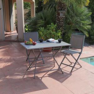 Ensemble de jardin - table Globe 110x70 cm grise - 2 chaises Ida grises - 2 personnes - Aménagement coin repas terrasse