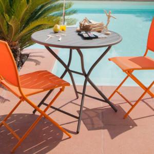 Ensemble de jardin - table ronde Globe 80 cm café - 2 chaises Ida paprika - 2 personnes - Aménagement coin repas terrasse