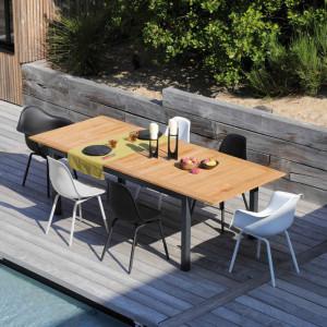 Ensemble de jardin - table Tempo 180/240 cm teck - 6 fauteuils Moss noirs - 6 personnes - Aménagement coin repas terrasse