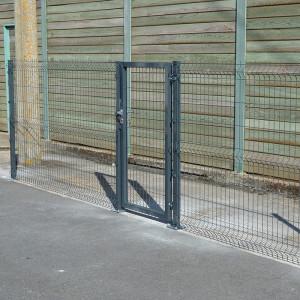 Réalisation portillon pour clôture rigide Nature bois concept gris 1,73m