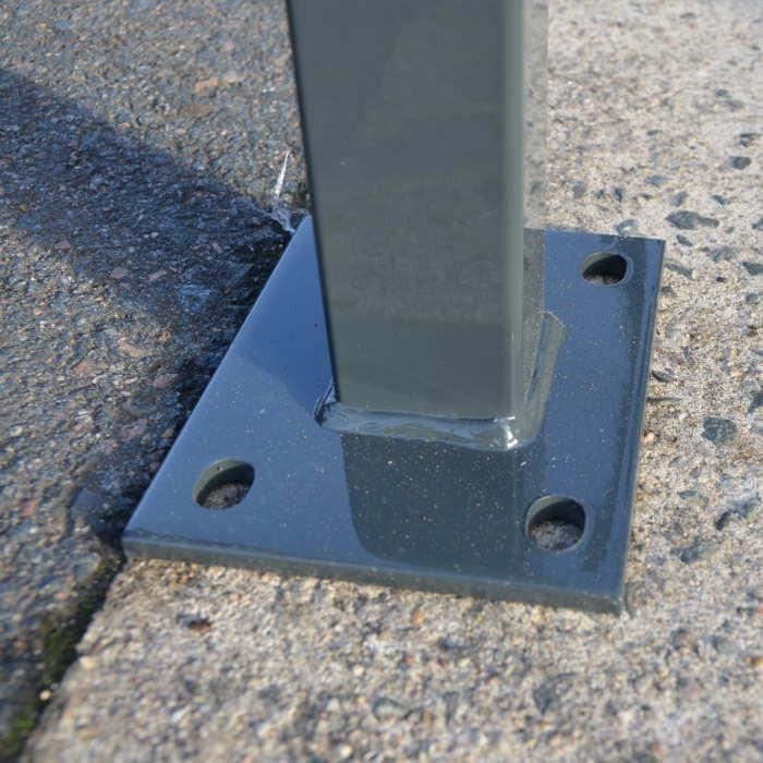 Poteau platine clôture rigide NBC - H1,73m - Acier galvanisé - Pose béton
