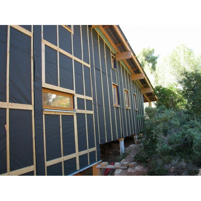 Mise en place d'un pare-pluie DELTA VENT S+ DORKEN pour une façade de maison recouverte de bardage bois