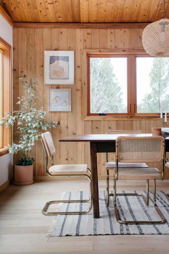 Salle à manger bardage traditionnel intérieur