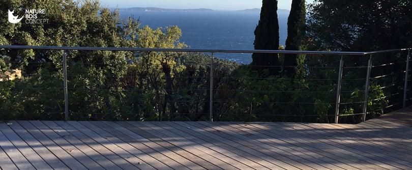 Photo d'une réalisation en lame de terrasse Frêne Thermo chauffé