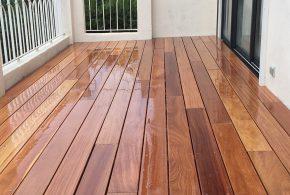terrasse bois en cumaru saturée brillante