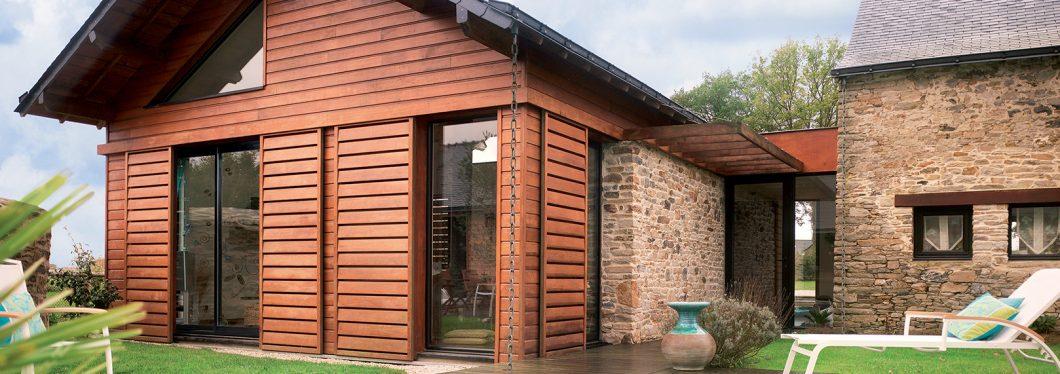 Le bardage bois faux claire-voie est un aménagement très esthétique.