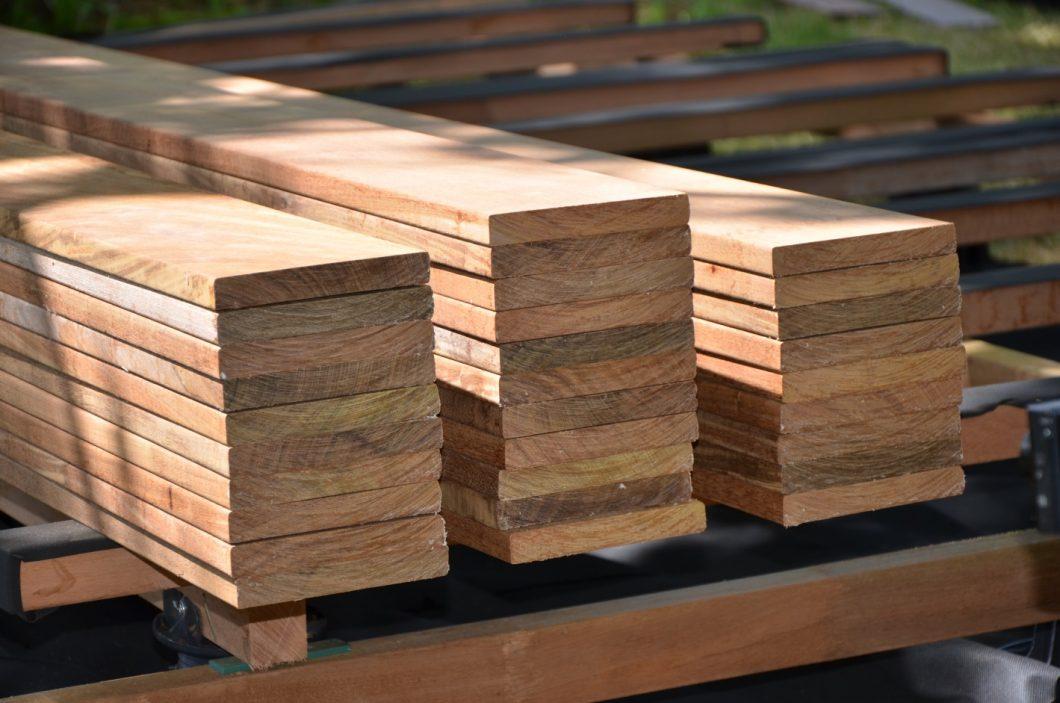lames de bois et bouts des lames