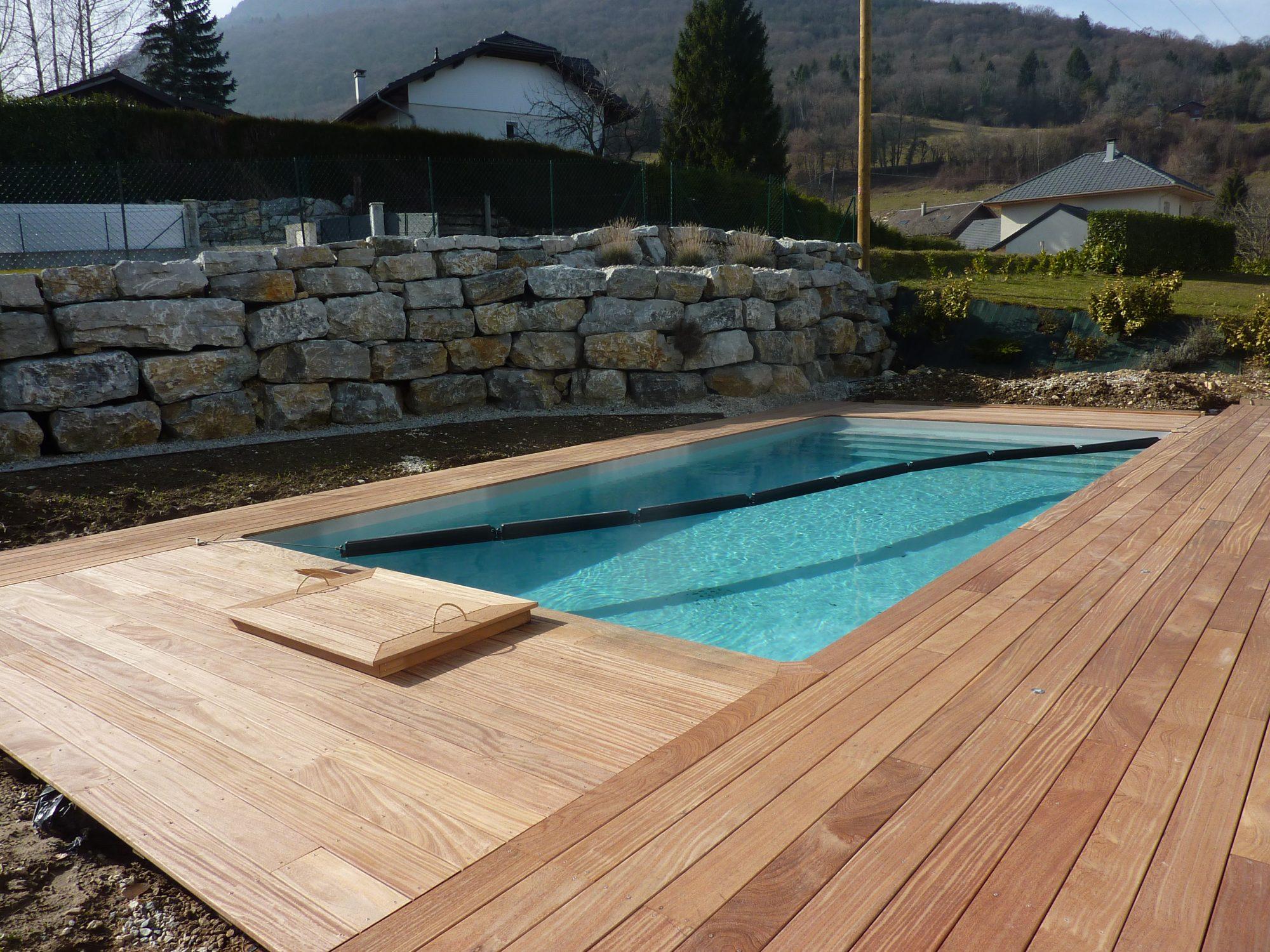 Quel Est Le Meilleur Bois Pour Terrasse quelle essence de bois pour mon tour de piscine ?