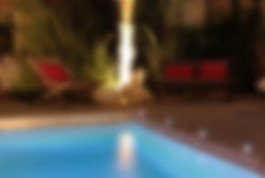 tour de piscine bois et luminaire