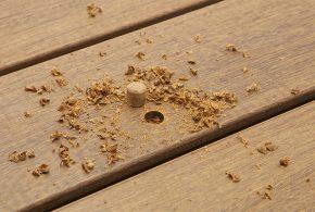 Les bouchons bois : alternative à la fixation invisible