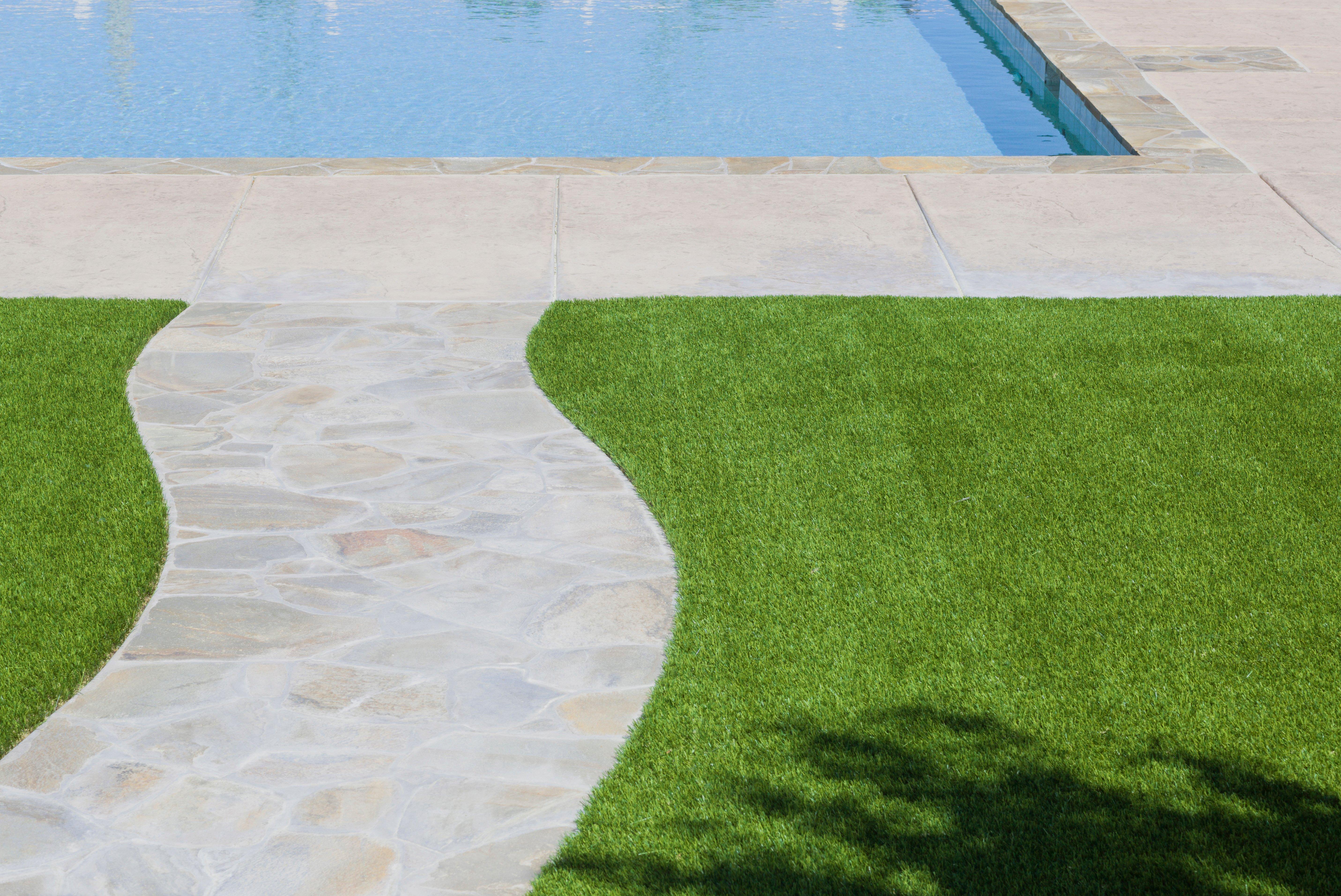 Tour De Piscine Gazon Synthetique quel gazon synthétique choisir autour de sa piscine ?
