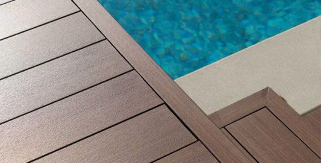 Terrasse bois composite et piscine