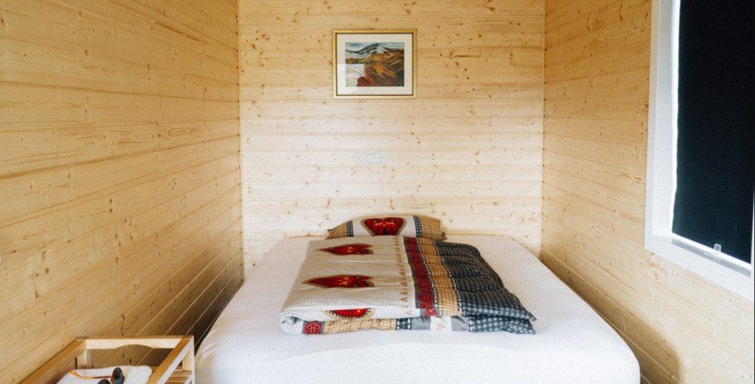 Aménagement chambre abri de jardin bois