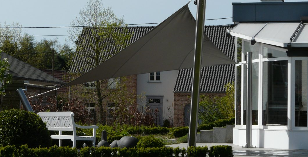 Voile ombrage triangle gris