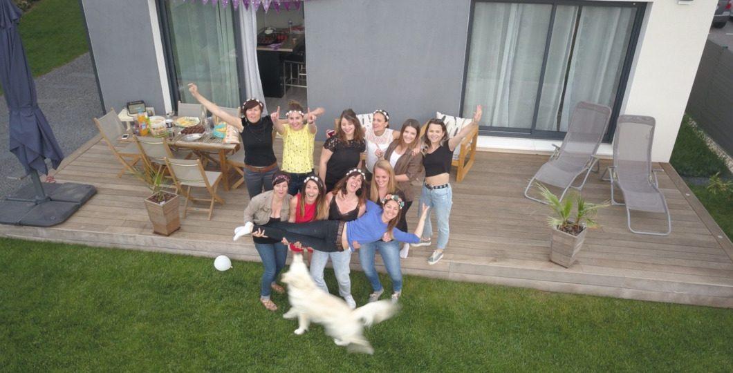 Happy family terrasse jardin