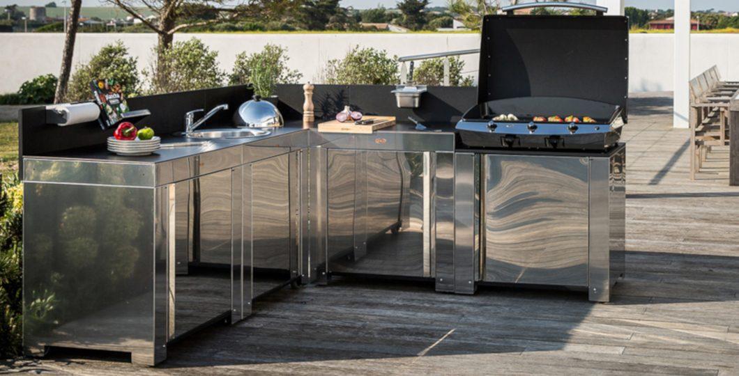 Aménagement cuisine d'été avec modules inox hpl ENO