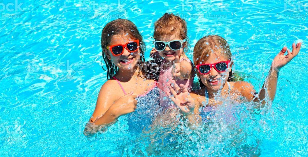 Aménagement de piscine extérieure pour grande famille