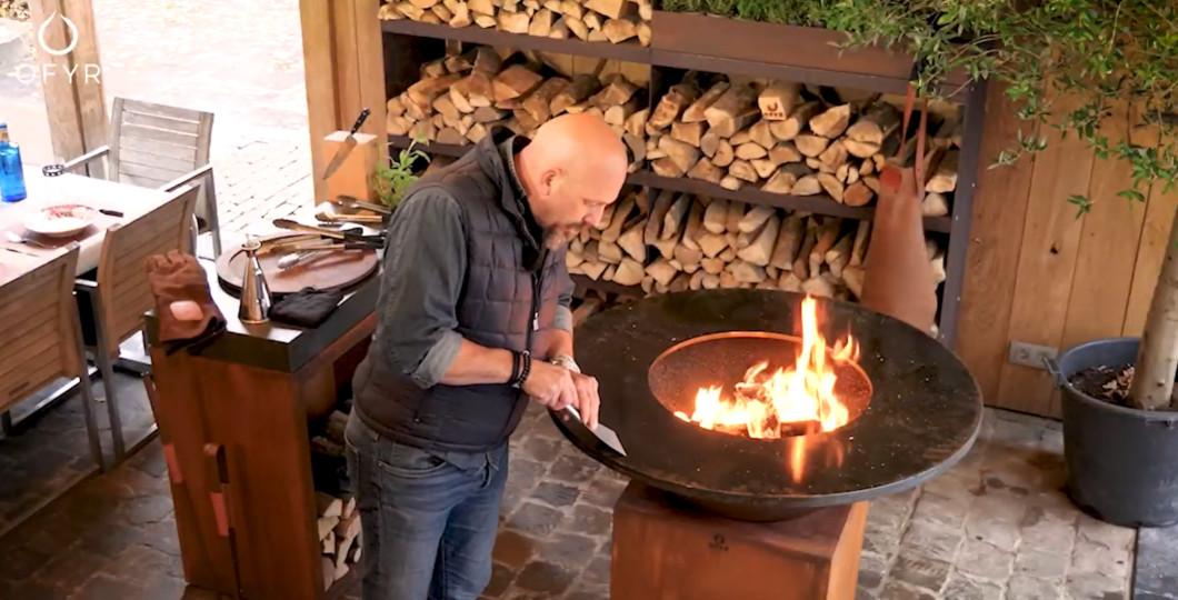 Décapage protection plaque de cuisson pour première utilisation