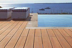Terrasse bambou MOSO X-TREME bord de piscine