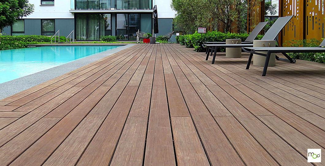 Terrasse en bambou MOSO X-TREME tour de piscine